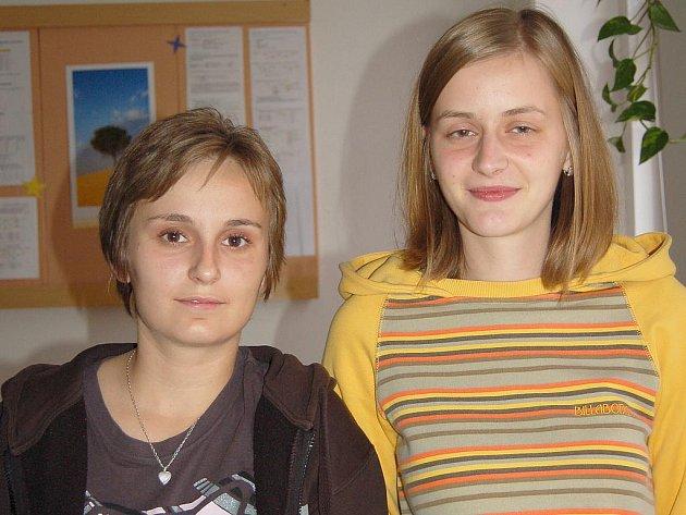 Jednadvacetiletá Alena Sladká a devatenáctiletá Michaela Pišojová si vyzkoušly život na Urale.