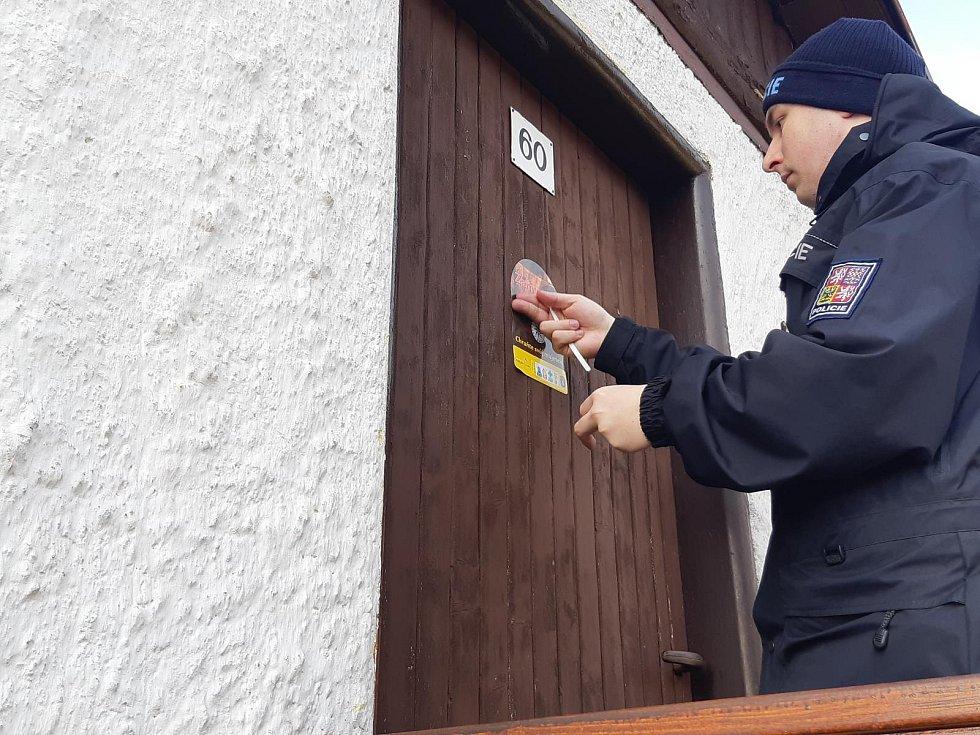 Jak si správně zabezpečit chatu, byt či dům? Na to má odpovědět nová mobilní aplikace od policie.