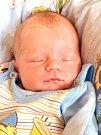TOMÁŠ HRACHOVÝ si poprvé prohlédl svět v pátek 9. října v 9.22 hodin. Při narození vážil 3 460 gramů a měřil 52 centimetrů. Maminka Miloslava a tatínek Tomáš se těší z malého Tomáška doma v Aši.