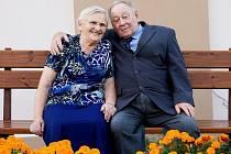 MANŽELÉ ANNA A LUDVÍK MARŠÍČKOVI z Chebu oslavili šedesát let společného života.