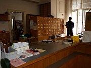 Chebská knihovna před rekonstrukcí.