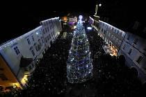 Chebské vánoční trhy jsou známé nejen po Karlovarském kraji, věhlas mají ale i v sousedním Německu a celé republice.