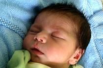 MILAN RAFAEL přišel na svět ve středu 24. února v 11.45 hodin. Vážil 3 100 gramů a měřil 48 centimetrů. Z malého brášky se doma v Chebu radují sestřičky Terezka a Nikolka, maminka Marie a tatínek Milan.
