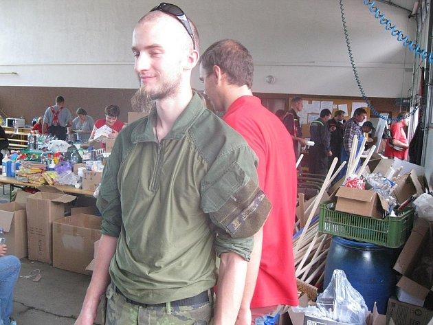 Bratři Dančovi z Chebska narychlo zorganizovali finanční a materiální sbírku pro postižené z města Raspenava na Liberecku, které vyplavila velká voda již podruhé.