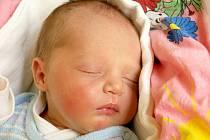 EMA BESEDOVÁ se poprvé rozkřičela v úterý 17. dubna v 10 hodin. Při narození vážila 3020 gramů a měřila 49 centimetrů. Doma v Chebu se z malé Emičky raduje maminka Radka a tatínek Martin.