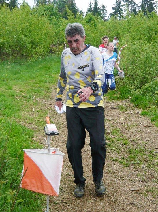Jan Sklenář z Mariánských Lázní vyhrál nedělní závod na klasické trati.