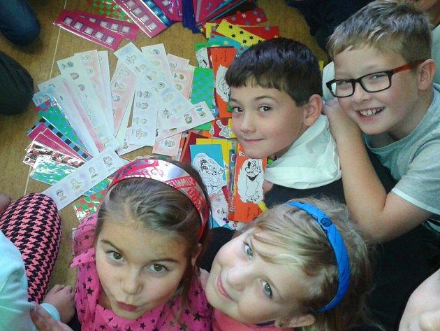 ZÁLOŽKY, které vyrobili žáci 3. základní školy v Chebu, potěšily slovenské školáky.