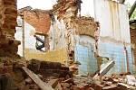 Výletní restaurace Myslivna u Chebu, kam chodili celé rodiny na oběd a za zábavou, byla zdemolována v roce 2013. Dnes ruiny, které na místě zůstaly zarůstají nálety a plevely.