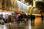 Vánoční trhy si v Mariánských Lázních poprvé užívají déle než jen pár dní.