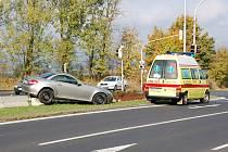 Kuriozní výsledek nehody na chebské Ašské ulici.
