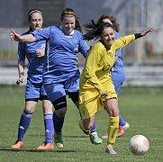 Fotbalistky Hvězdy Cheb pokračují v kvalitních výkonech na jaře a počtvrté za sebou zvítězily. Na stadionu Lokomotivy porazily celek Postoloprt 7:2