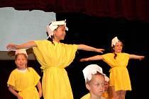 Vystoupení děti ve františkolázeňském divadle
