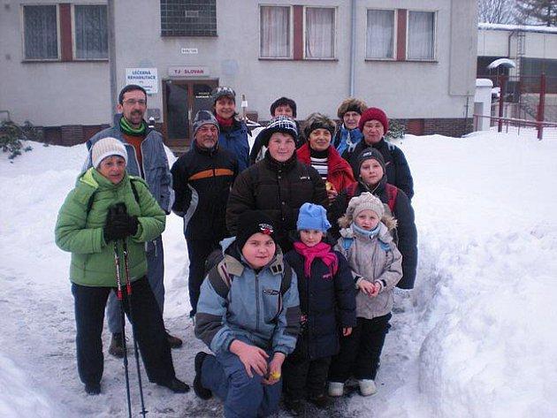 Účastníci výletu se brodili hlubokým sněhem, odměnou jim byl pamětní list.