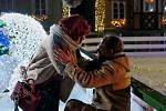 Film 'Ten, kdo tě miloval' se natáčel také na chebských vánočních trzích.