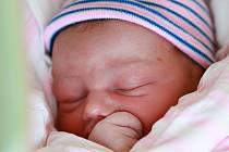 LUCIE BĚLINOVÁ bude mít v rodném listu datum narození čtvrtek 23. května v 12.08 hodin. Na svět přišla s váhou 3 080 gramů. Z malé Lucinky se raduje doma v Mnichově bráška Martin spolu s maminkou Simonou a tatínkem Petrem.