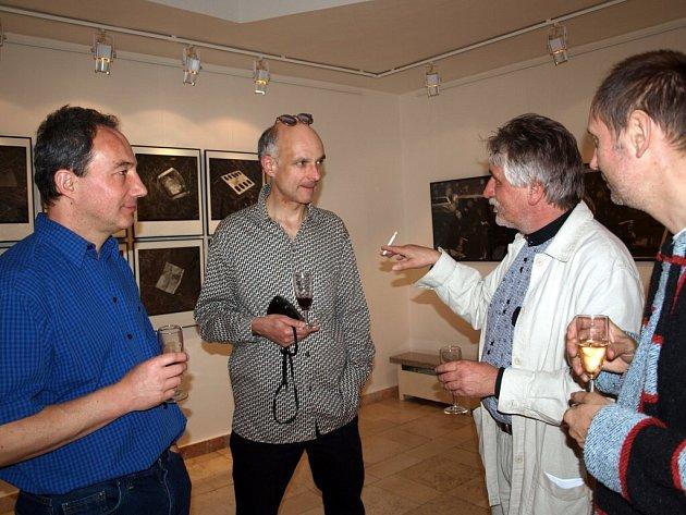 ŠTĚPÁN GRYGAR A RUDO PREKOP! Pedagogové FAMU vystavují snímky v chebské Galerii 4. Expozice bude v Chebu k vidění až do 2. července.