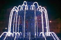 MARIÁNSKOLÁZEŇSKÉ FONTÁNY jsou ozdobené novými led diodovými světly.
