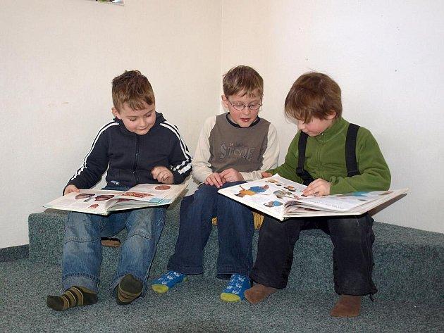 V knihovně se dětem líbilo.