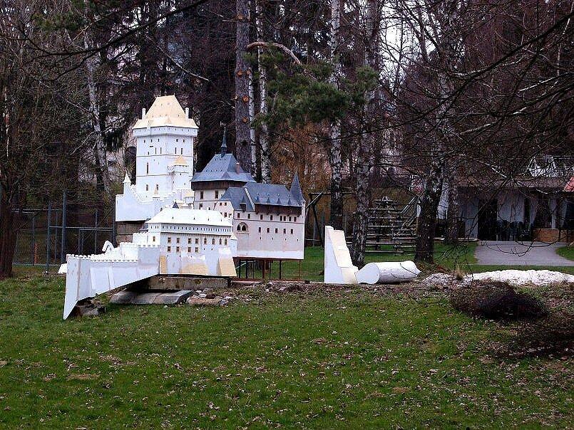 Miniaturpark Mariánské Lázně - rozpracovaný Karlštejn