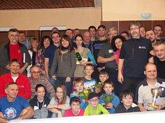 Společné foto účastníků XV. ročníku kuželkářského turnaje Pepa Cup 2015.