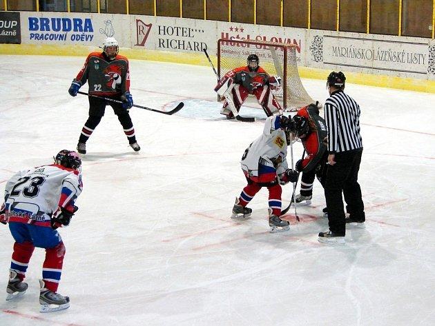 Hokejové utkání žáků 8. tříd mezi Mariánskými Lázněmi a Litoměřicemi skončilo nerozhodně 5:5
