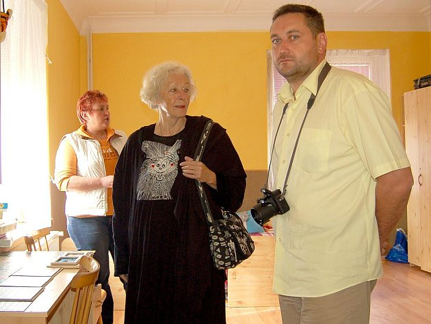 HEREČKA Květa Fialová se opět vrátí do Chebu, tentokrát ji pozval zakladatel Nadačního fondu Vilík David Skočil.