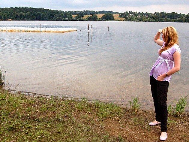 Mezokosmové pokusy na přehradě Skalka u osady Podhoří