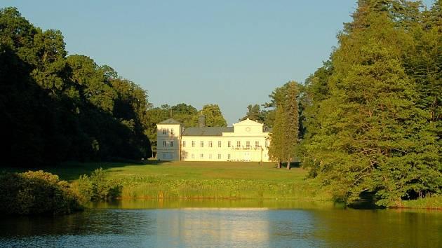 Kynžvartský zámek od rybníka