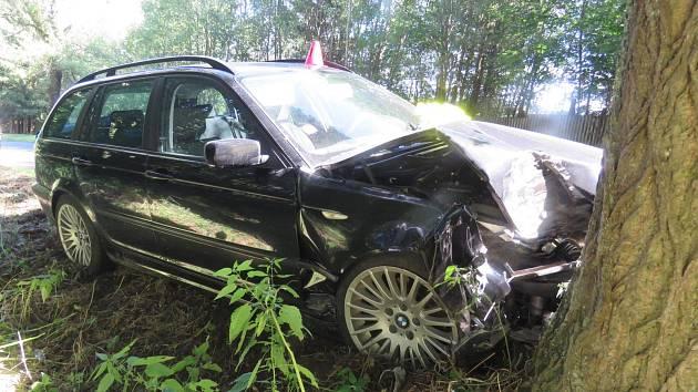 Lehkým zraněním skončila dopravní nehoda poblíž Mariánských Lázní.