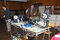 INTEGROVANÁ STŘEDNÍ ŠKOLA v Chebu připravuje každoročně řadu absolventů učňovských oborů z oblasti strojírenství, stavebnictví nebo zemědělství.