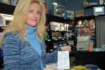 """Levný nákup u vietmanského stánku, na který  často lidé nedostanou ani účtenku,  nemusí být nutně výhrou.  Zejména  u elektrospotřebičů  se  kvalitní, i když dražší zboží vyplatí.   """"U zavedených prodejců je  záruka, že  výrobek odpovídá českým normám."""