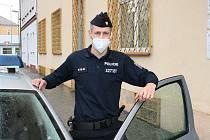 Policista Michal Krhounek, který našel pohřešovanou ženu z Chebu.