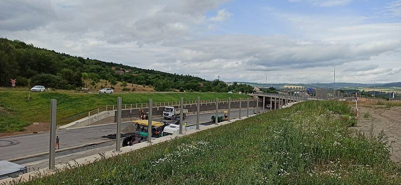 Součástí obchvatu Lubence jsou nové mosty i mimoúrovňové křivatky.