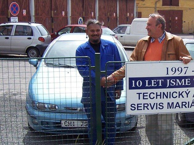 Petr Bílý (vlevo) a Vladimír Černý (vpravo) z mariánskolázeňské společnosti TDS