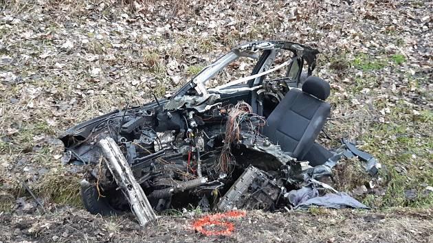 Při nehodě na Chebsku zemřeli dva lidé.