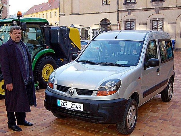 Nového automobilu  značky Renault Kangoo se dočkal  chebský městský útulek pro psy v Horní Hraničné.