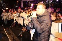 Česko zpívá koledy - náměstí Krále Jiřího z Poděbrad v Chebu