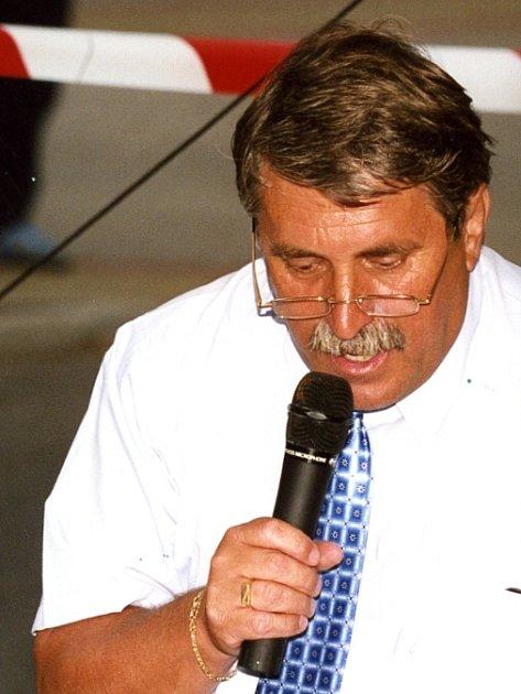 JACEK PŘIBÁŃ  patří do špičky českých atletických moderátorů. Potvrdil to i na posledních  dvou atletických akcích.