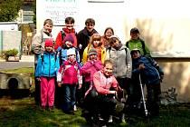 Děti z Domu dětí a mládeže Sova navštívili opět psí útulek v Hraničné.