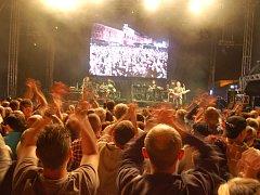 PETR JANDA a kapela Olympic - i ti už se zúčastnili akce Špalíček Fest.