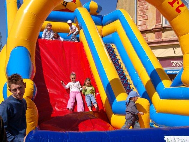 Na jarmarku v Plesné se děti mohly vydovádět