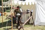 V Lokti vyrostl středověký tábor.