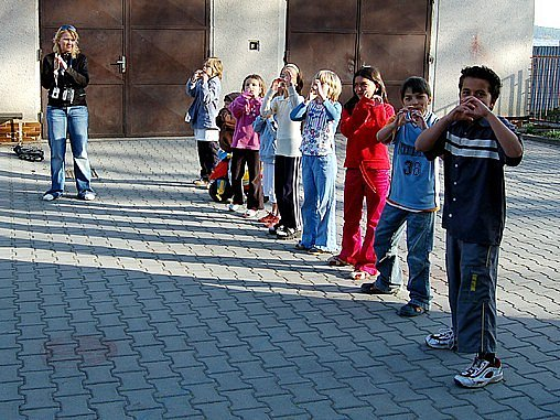 V Plesné si děti zacvičily a zazpívaly