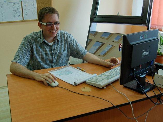 JIŘÍ SUCHARDA pracuje ve firmě NELAN už  tři roky jako administrativní pracovník.