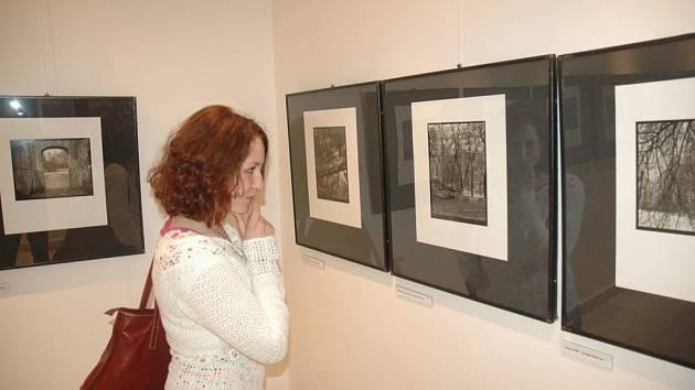 Slavnostní vrnisáží začala v chebské galerii G4 výstava Praha - město návratů