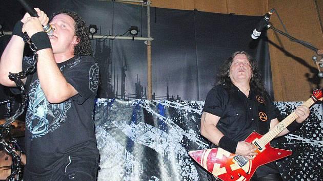 Skupina Arakain koncertovala v ašském Klubíčku