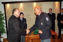 Oceňování nejlepších policistů z Chebska na hradě Seeberg
