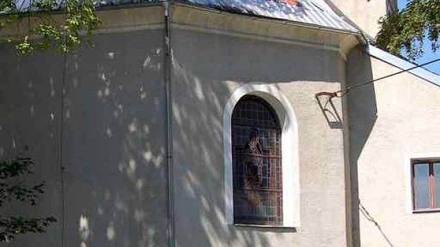 Obec Tři Sekery převzala od církve do svého majetku kostel Čtrnácti svatých pomocníků v nouzi