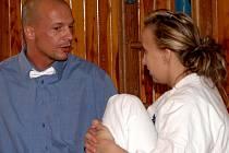 KAREL  PAVLÍK  uděluje pokyny Veronice Smržové před závodem mistrovství České republiky.