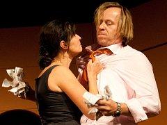 Své herecké umění vám předvedou Karel Roden a Jana Krausová.